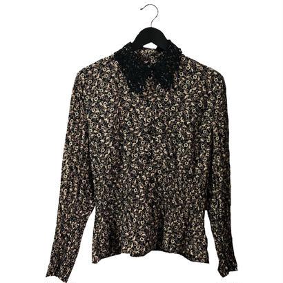 lace collar monotone flower pleats blouse