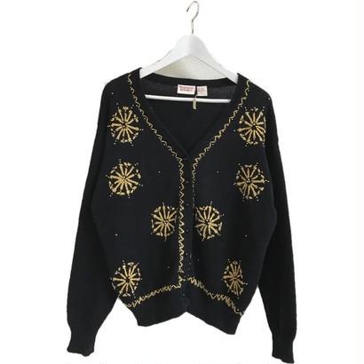 embroidery Vneck design knit