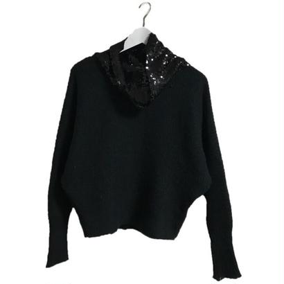 span neck design knit black