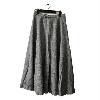 glen check volume long skirt