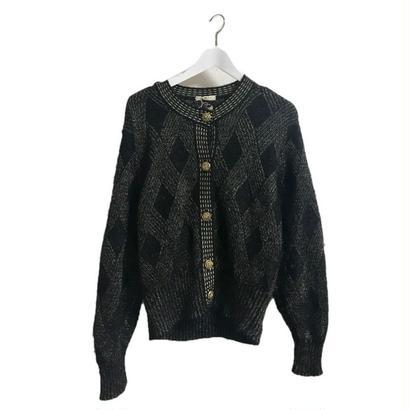 black&gold design knit