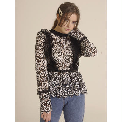 monotone lace frill blouse