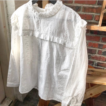 COTTON embroideryblouse