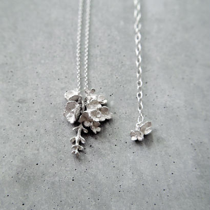 """bouquet necklace"" wh/sv hydrangea+silverdallar+poppy"