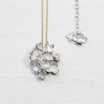 """""""hydrangia necklace"""" wh/K10"""
