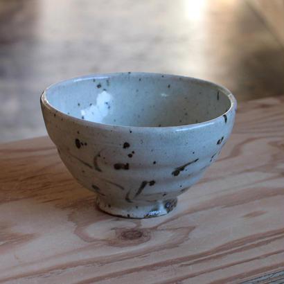 山田隆太郎:粉引草紋 飯碗