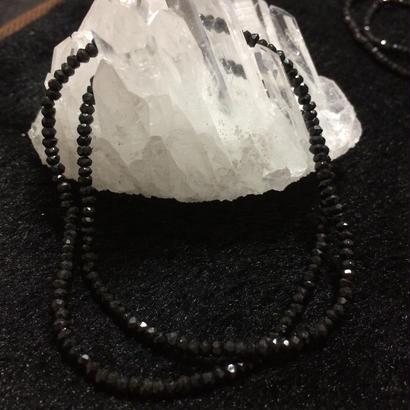 【魔除け】天然石 〜宝石質ブラックスピネル3Aグレード〜シンプルネックレス