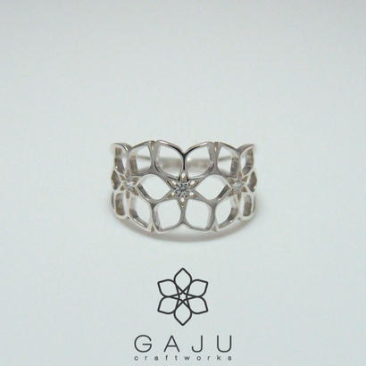 gajuvana Trinity ring + CZ (small)