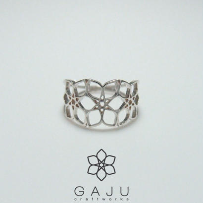 gajuvana Trinity ring ( Small )