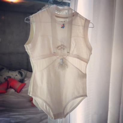 BLA MOTIF BODY SUITS IVORY