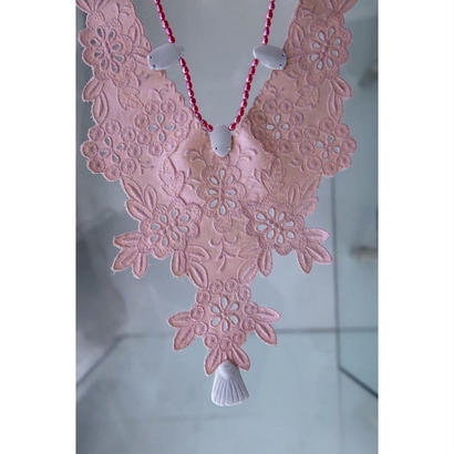 Imago lace necklace pink