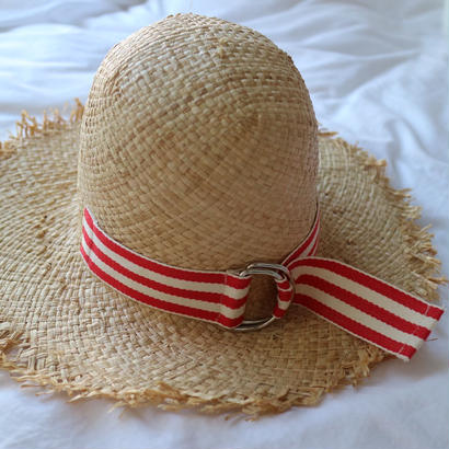 Red  ribbon hat