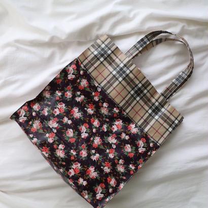 """jennyfax"" flower tote bag  dark"
