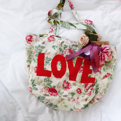 LOVE BAG『THE MAGPIE &THE WARDROBE』