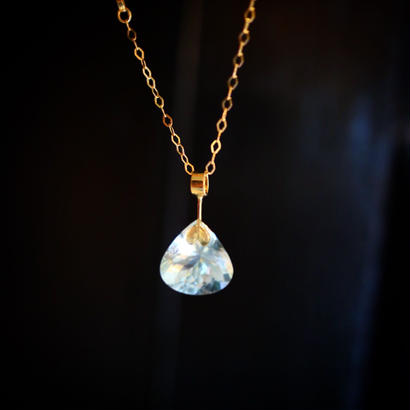 imago aquamarine necklace