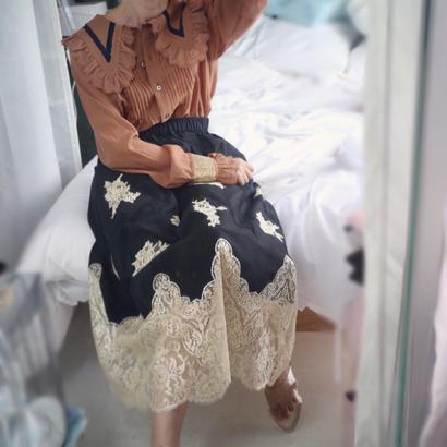 Leavers lace skirt black