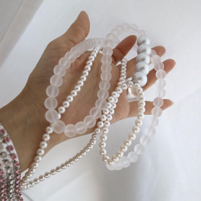 White  gradation necklace