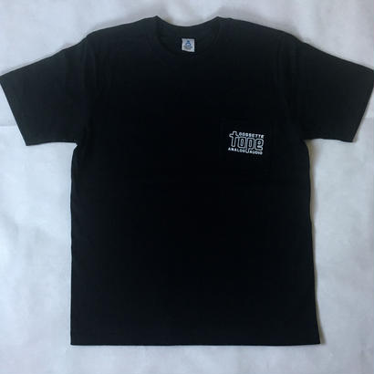 「GOSSTTE TAPE ANALOGAUDIO」ロゴTシャツ(ブラック)