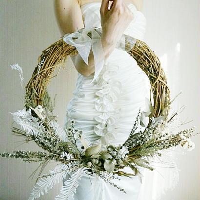『白いお花のリースブーケ white1018』挙式後はインテリアにも