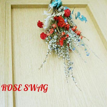 『送料込み! 赤いバラ飾り入りスワッグ red&white purple 01086』大人可愛い壁飾り 壁掛け