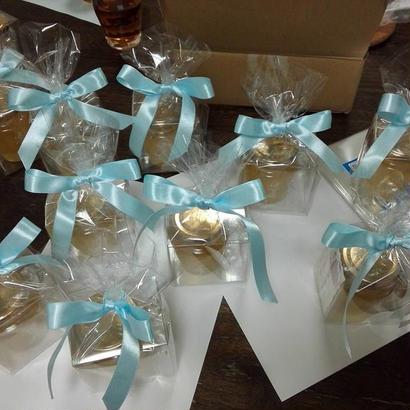 高原花房(柄付瓶、120g)クリアーケース入り、1個1400円、ラッピングします。メッセージカード、または、蜜の特徴など、お付けすることができます。お礼やあいさつ回りに重宝されています。