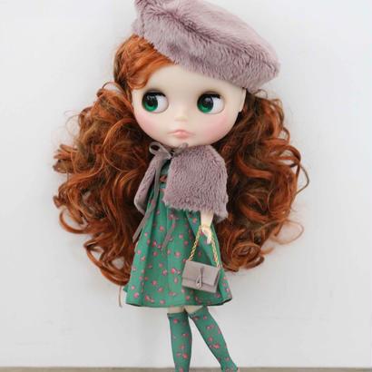 【 予約品 】フェイクファーケープ &  Aライン 薔薇を着たワンピース ( 緑)+ フェイクファーベレー帽 & 薔薇を着たソックス (緑) キット
