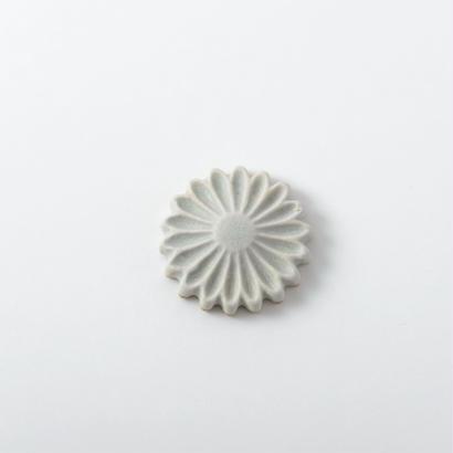 箸置き 白釉 Lサイズ 菊