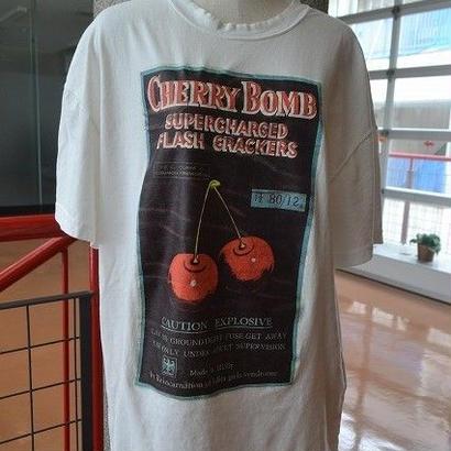 ヴィンテージライクチェリーTシャツ