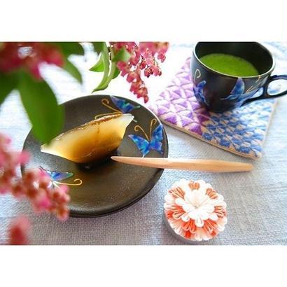 青九谷(蝶紋)のデミカップ&ソーサー、川崎知美(金沢)