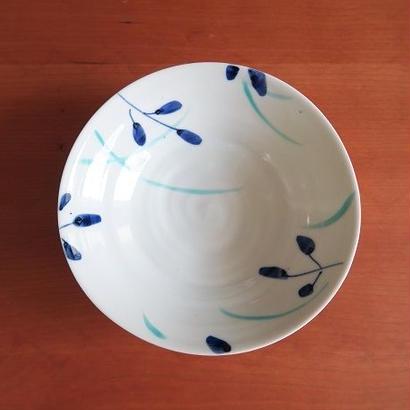 九谷焼、染付野草文小鉢、赤地健(金沢)