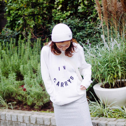 In carry Bロゴパーカー(White)