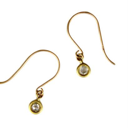 hug pierced earrings