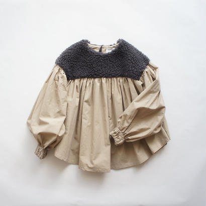 Boa Gather Blouse ( charcoal boa x beige / S.M ) / folkmade