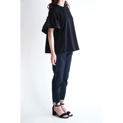 it / 【6月下旬配送開始】RUFFLE SLEEVES TOPS (BLACK×BLACK)