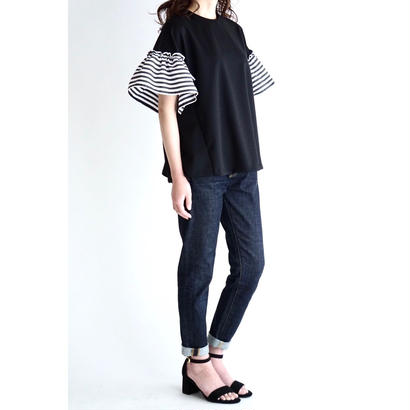 it / 【6月下旬配送開始】RUFFLE SLEEVES TOPS (BLACK×BORDER)