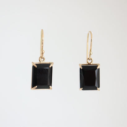 K18 ONYX  EARRINGS