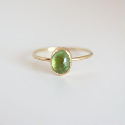 K18 & TOURMALINE  OVAL CABOCHON RING