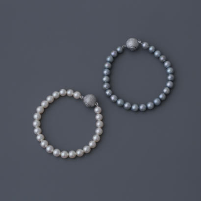 【bracelet】white or light gray akoya pearl