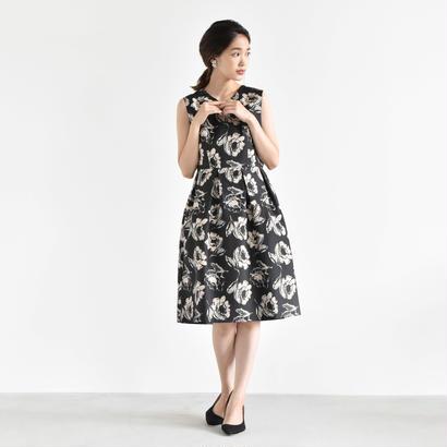 100293 / 総プリント ボリュームワンピース