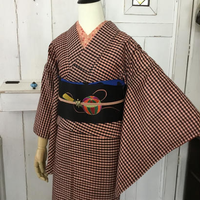 km1020【袷着物】格子模様にキュートな唐子の刺繍帯・アンティーク袷着物コーデ6点セット