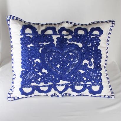 イーラーショシュ刺繍のクッションカバー(青)