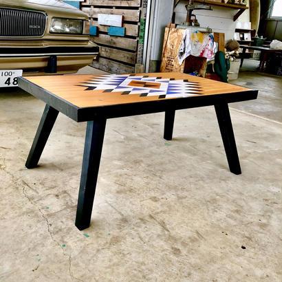 オリジナルオルテガ柄テーブル