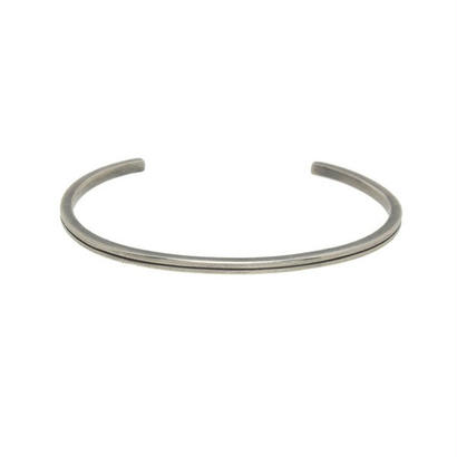 THEFT - narrow line silver bangle