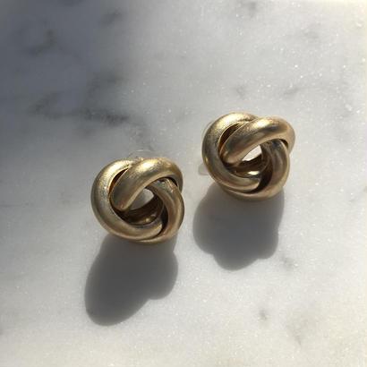 mat gold pierce