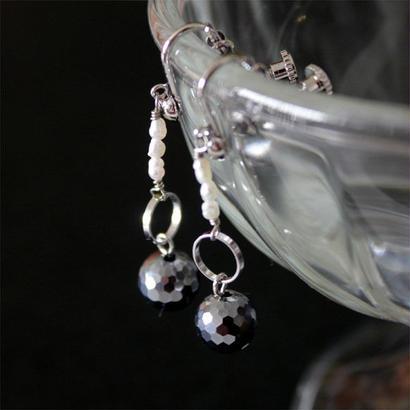テラミラーと淡水パールのイヤリング