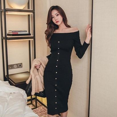 オフショルダーワンピース 韓国ワンピース フロントボタン 可愛い シンプル スリム ミディアムドレス FS081301