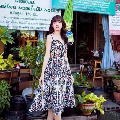 花柄デザイン セクシー ワンピース Aライン ミディアム ミディ丈 ミモレ丈 FS028001