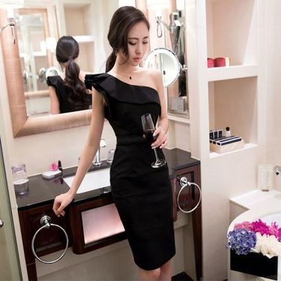 韓国 イブニングドレス ワンピース ワンショルダー ラッフル フリル スリム Aライン ブラック FS030301