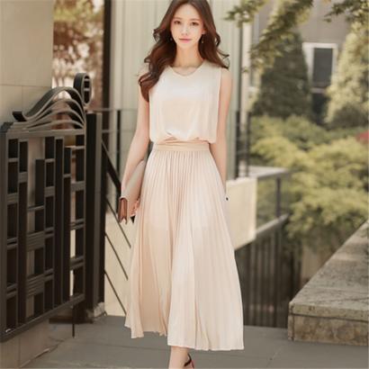 韓国ワンピース ノースリーブ マキシワンピース レイヤード風 プリーツドレス 結婚式 二次会 FS015701