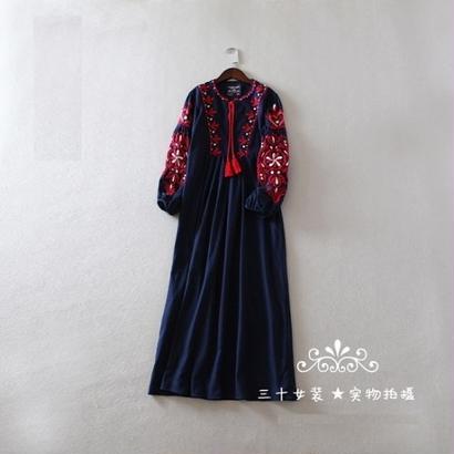 花柄 刺繍 フォークロア ミモレ丈 ワンピース ネイビー ミドル丈 ZARA風 FS001401